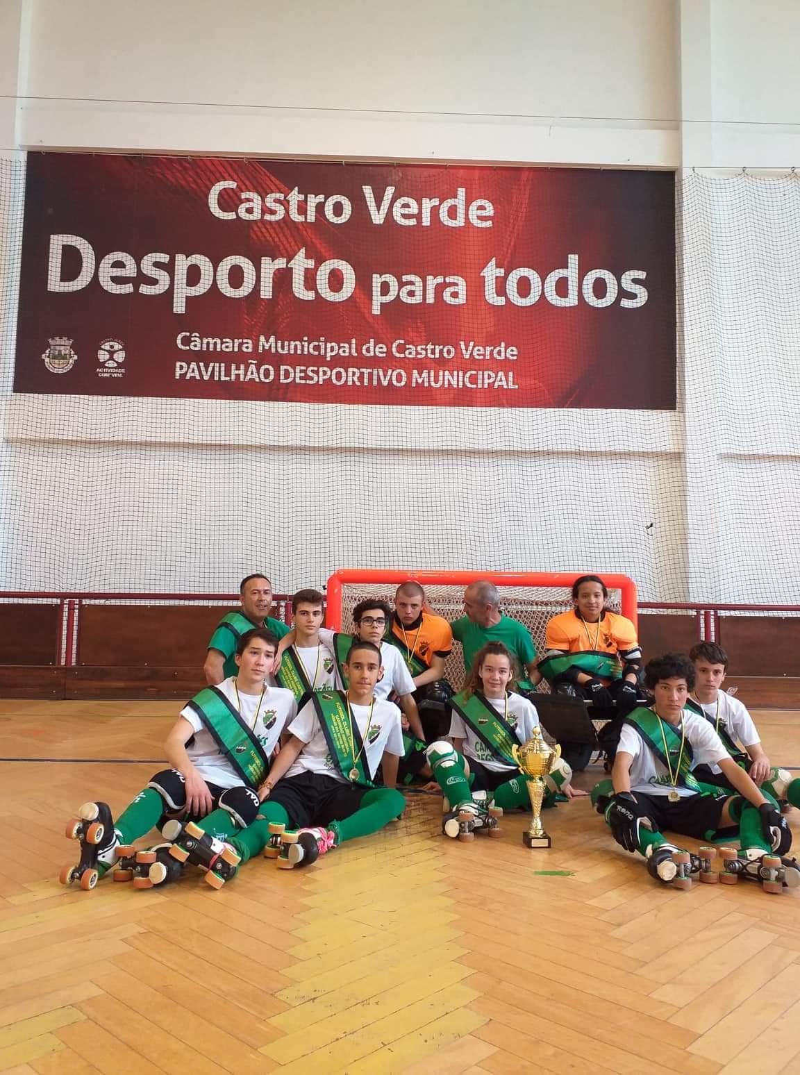 FC Castrense recebe taça de campeões regionais de Sub15